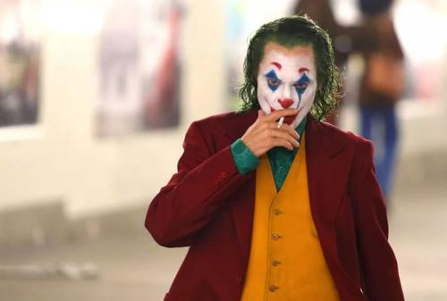 小丑强颜欢笑表情包