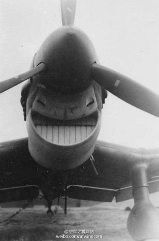 飞机张嘴笑表情包